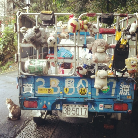Spotted: Decked out recycling van on the streets of Taipei